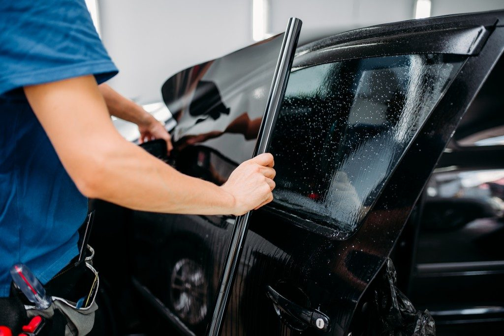 there are still some who are thinking twice and would rather have the questions running in their mind answered before deciding to get a car window tinting job done.